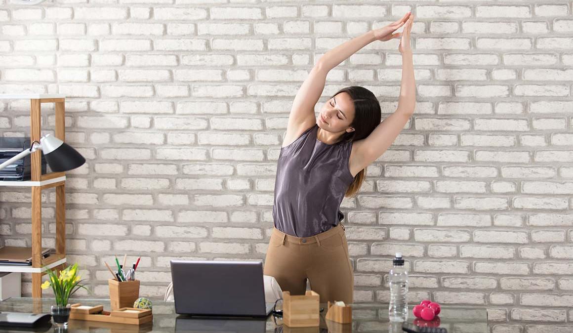 Respira, estira y actívate en el trabajo. Ejercicios de respiración.