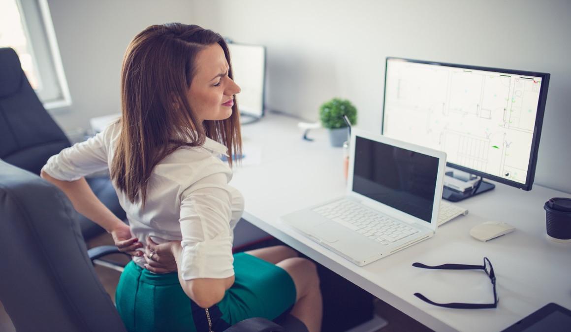 Los problemas de espalda, cuello y cintura son las principales amenazas en la oficina