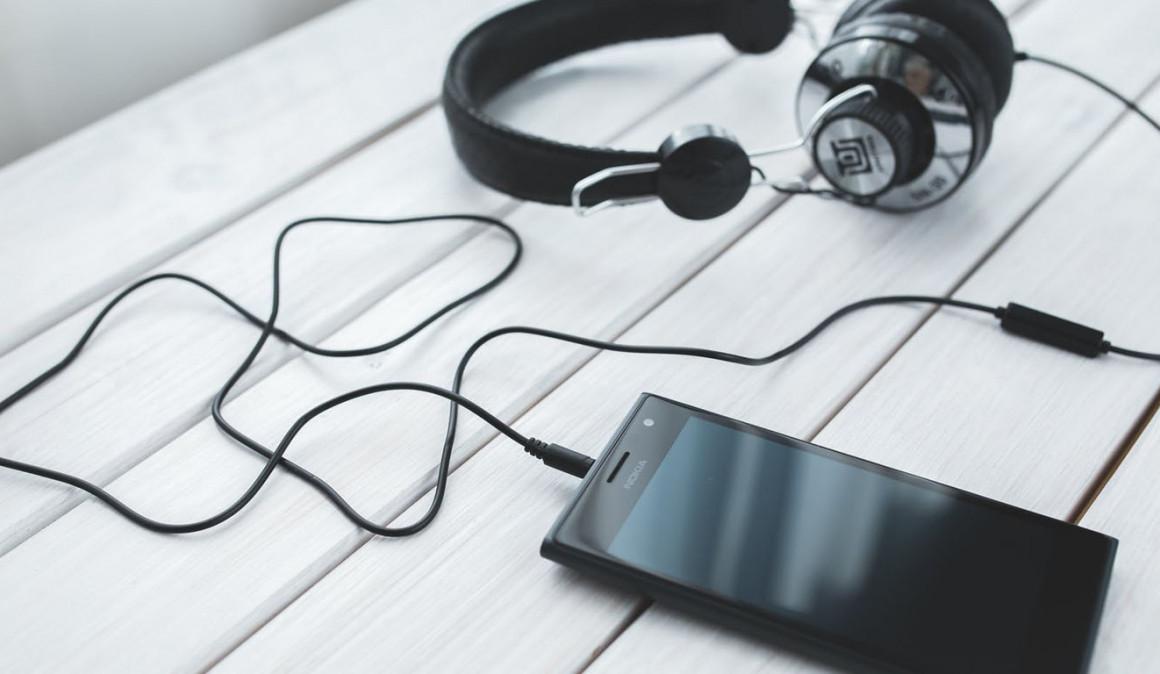 Tres audiolibros para afrontar la rutina laboral