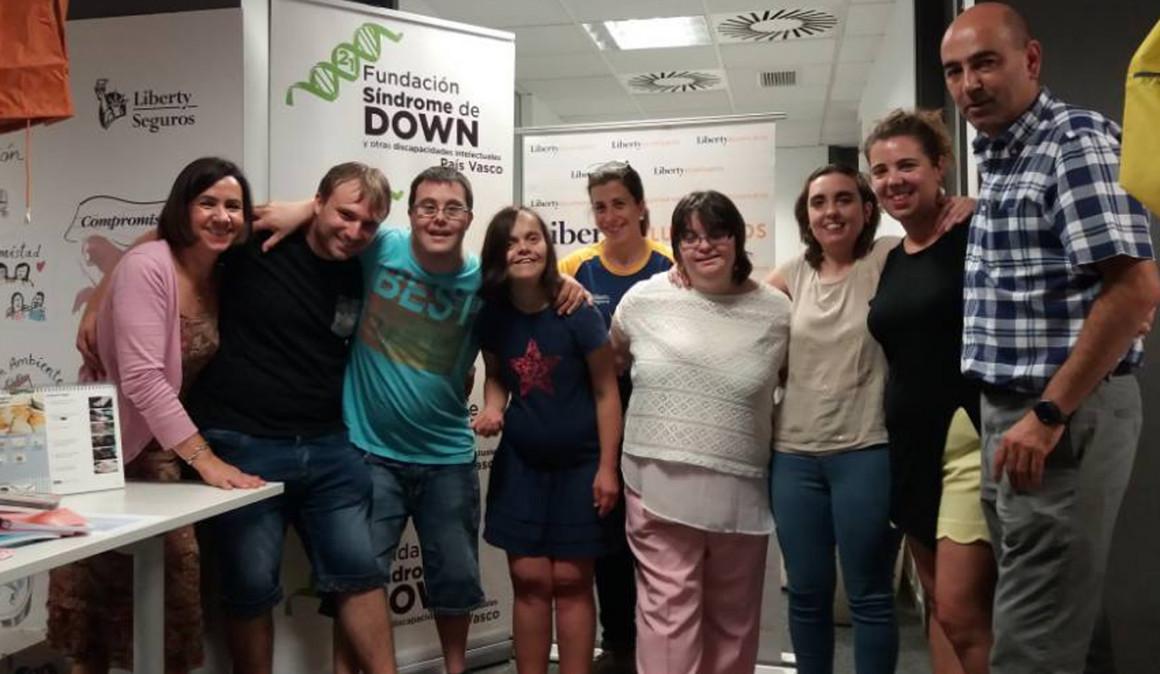 Liberty Seguros recauda más de 8 mil euros con un mercadillo solidario