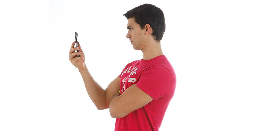 ¿Mi postura es buena cuando uso el smartphone?