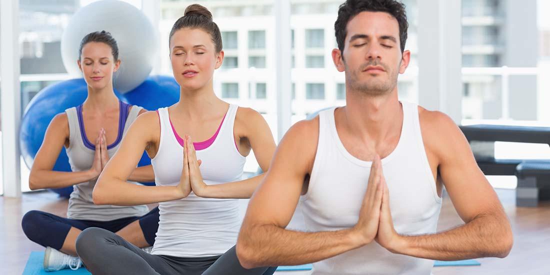 El yoga que te ayuda en tu jornada laboral